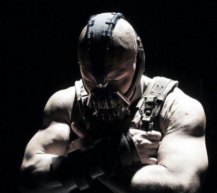 Pin De George Alexsander Em Cine Bane Batman Batman Cavaleiro