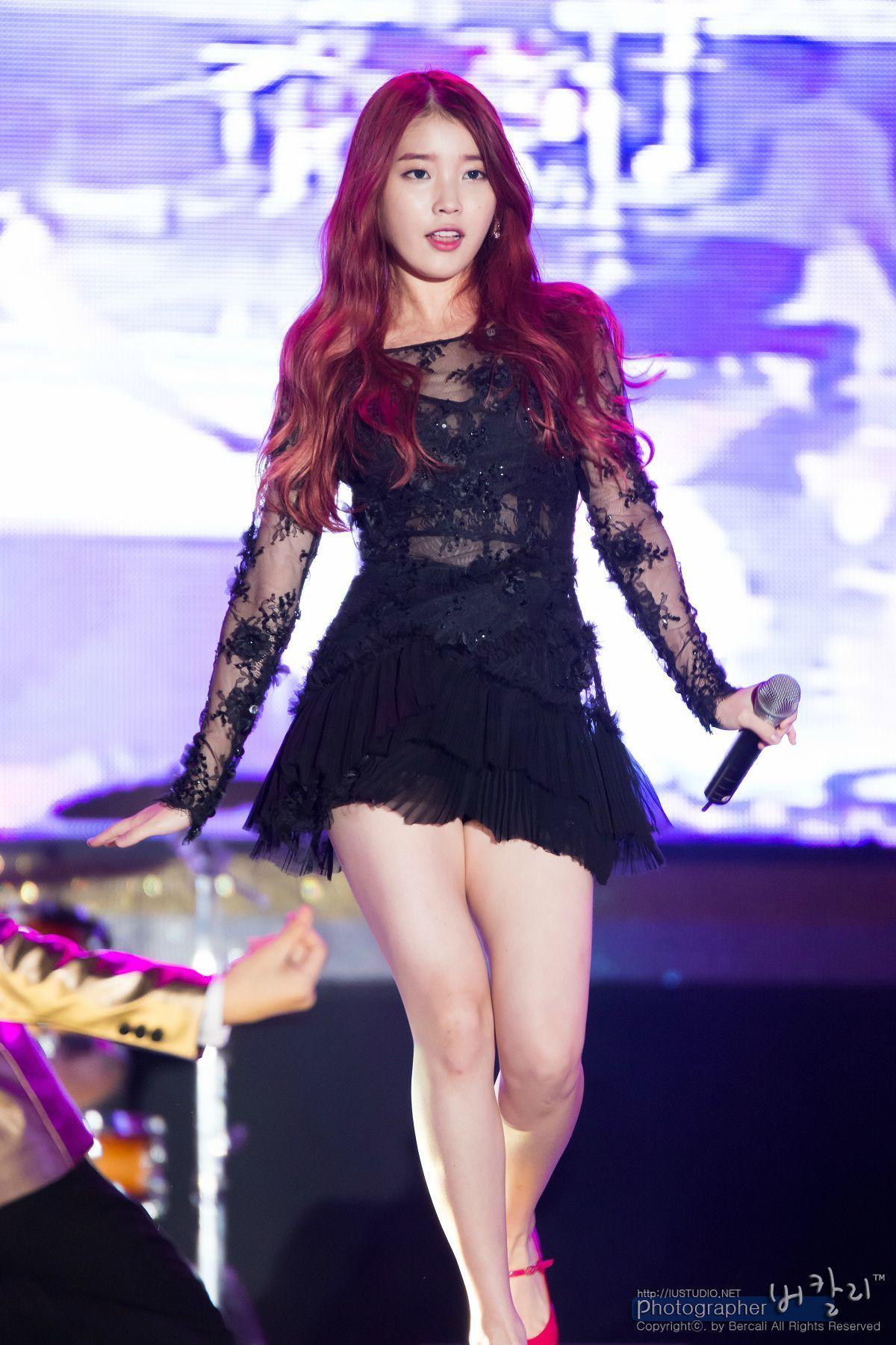 아이유 sexy Top 10 Sexiest Outfits Of IU - 1. Black lace dress with see through arms  and stomach.