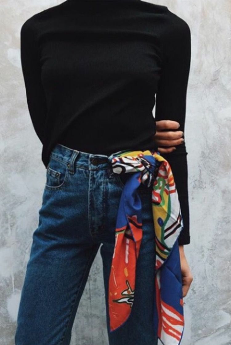 I learned a new practical tip! I can attach my scarf to belt loop if I m  too warm. I usually tie it on my wallet on a chain and sometimes find it  heavy 201bc170fbe