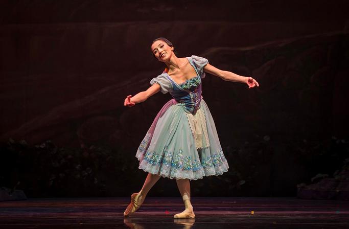 Natalia Berríos as Giselle in Act 1 of Ballet de Santiago's Giselle. Photo by Patricio Melo