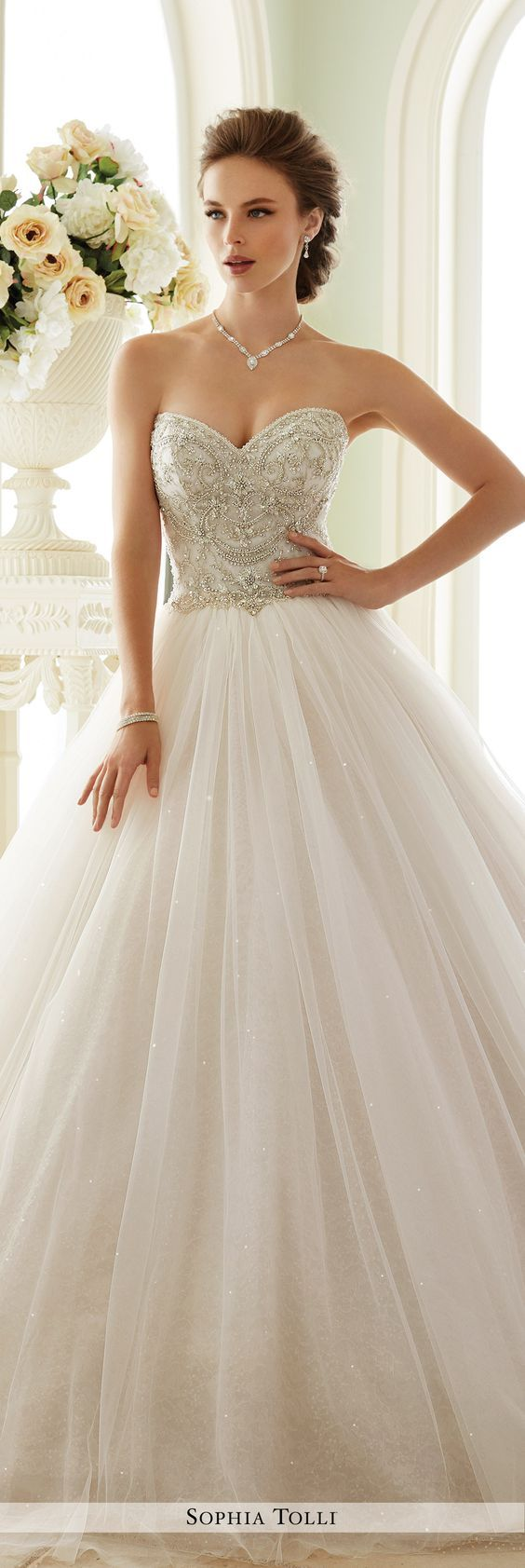 40 Sweetheart Wedding Dresses That Will Take Your Breath Away - Deer Pearl Flowers / http://www.deerpearlflowers.com/sweetheart-wedding-dresses/