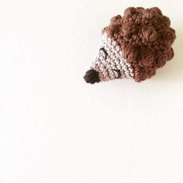 Et lille pindsvin er blevet til ☺️#garn #yarn #hækling #hæklet #hækle #crochet #virka #haken