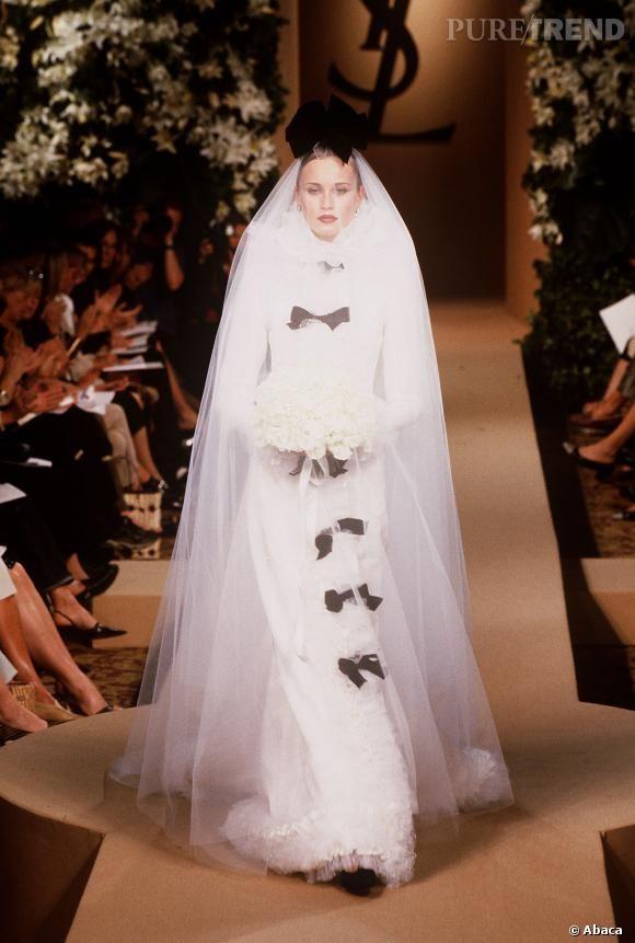PHOTOS , La robe de mariée à noeuds Yves Saint Laurent.