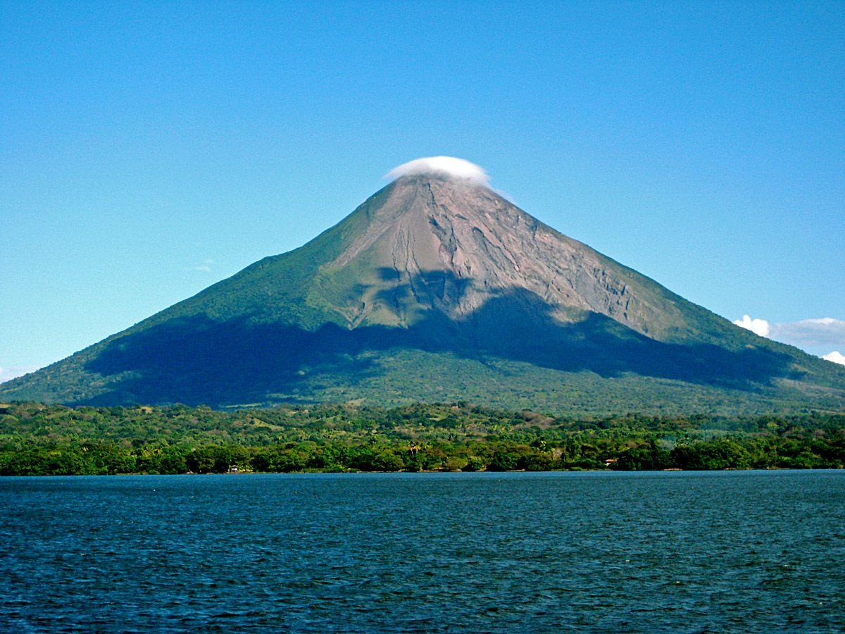 Nicaragua Concepci 243 N Volcano On Ometepe Island The