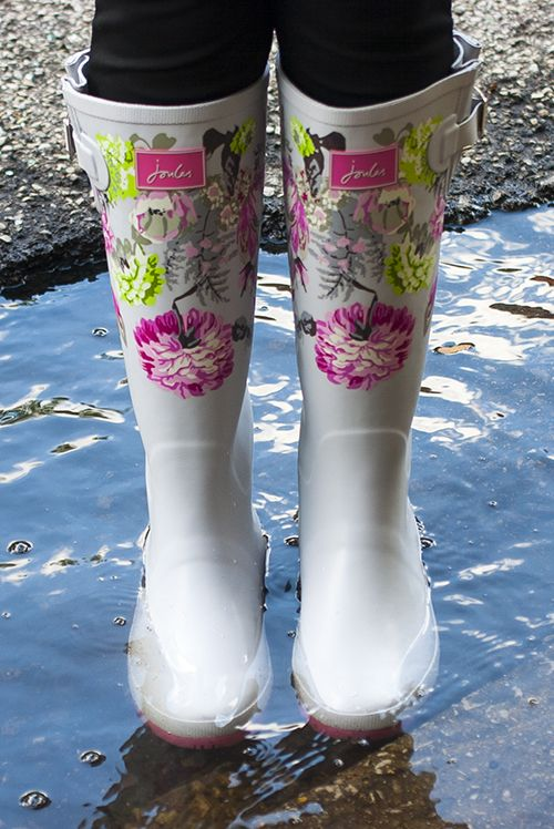 a9e23144f0de3e joules printed wellies review lyst rainy day outfit rainy day style how to  style rainboots bubble
