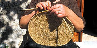Ollolai, lavorazione dei cestini