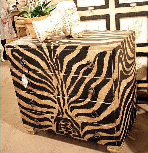 Meubles peints 20 id es relooking meubles commodes for Meuble zebre