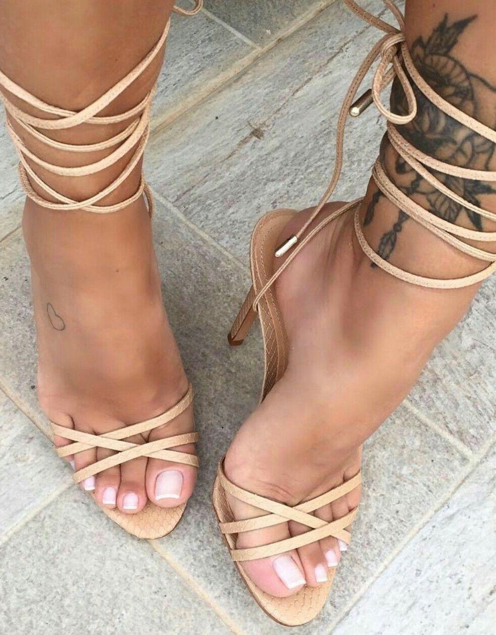braless Feet Angie Sou naked photo 2017