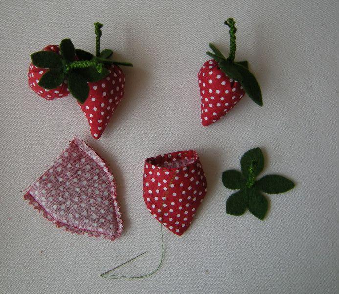 erdbeeren f r den kaufladen oder als deko n hen geschenke pinterest kaufladen erdbeeren. Black Bedroom Furniture Sets. Home Design Ideas