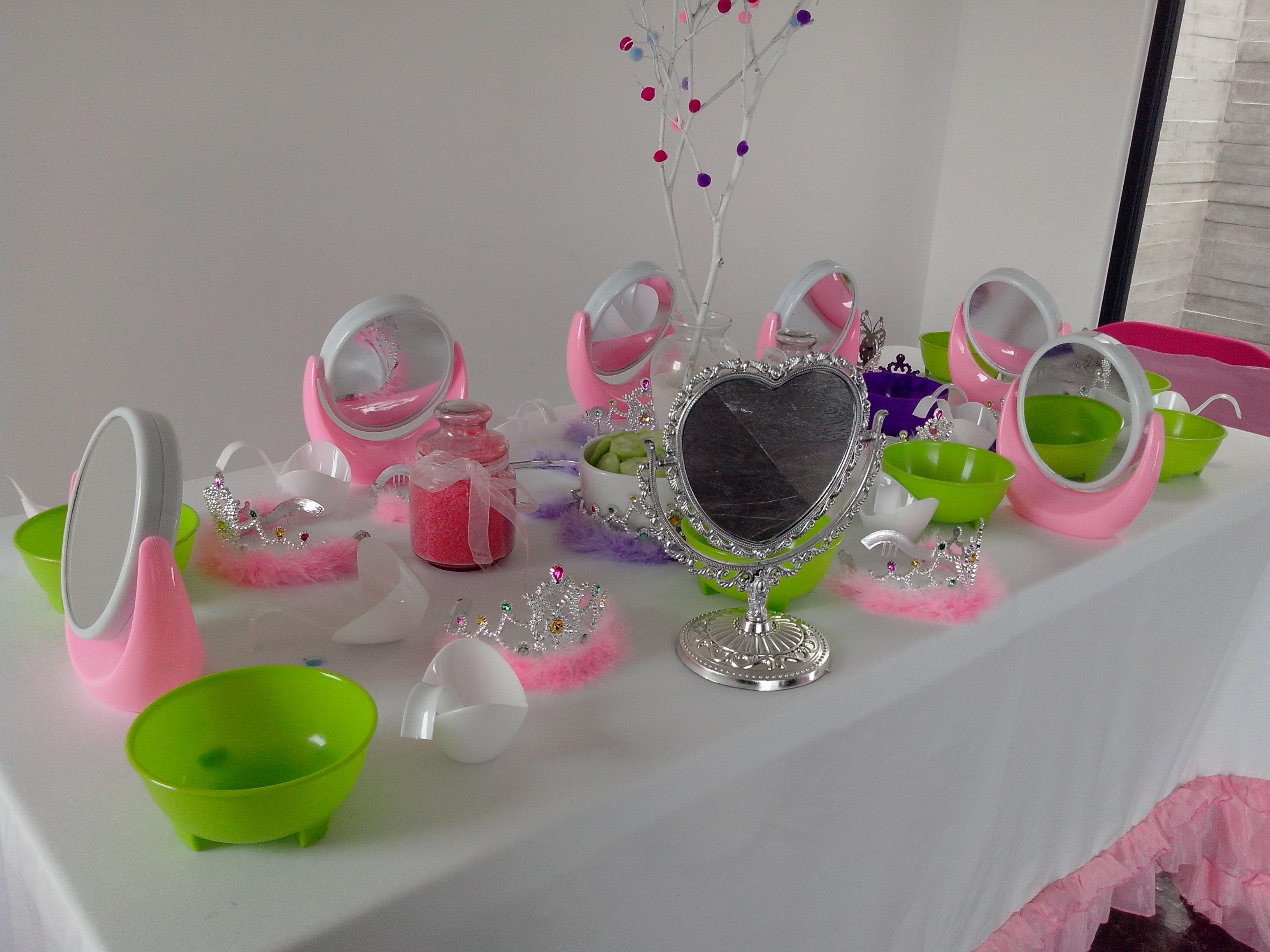 Mesa de faciales enla fiesta spa de ni as fiestas - Decoracion para spa ...