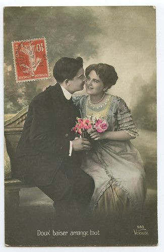 Edwardian Lady Love Romance Kiss 1910s photo postcard