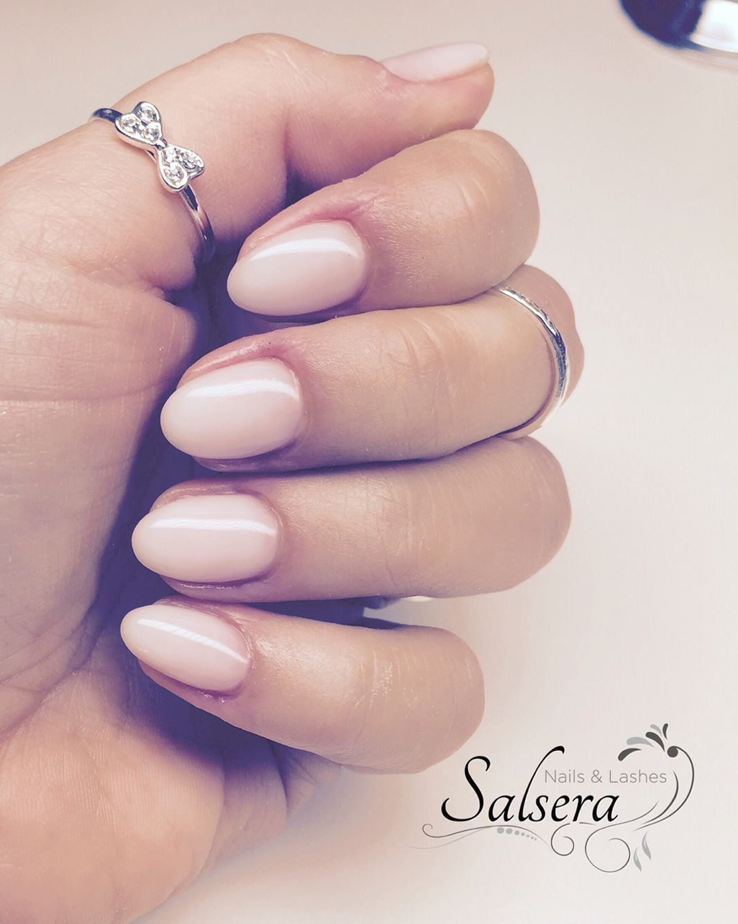 Weißes Nageldesign Nails Nägel Nageldesign Rund Kurz Schlicht Salsera Nails