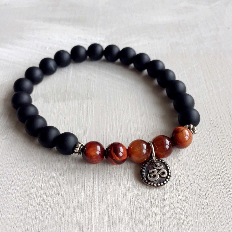 Un preferito personale dal mio negozio Etsy https://www.etsy.com/it/listing/269984378/braccialetto-om-braccialetto-onice-nero