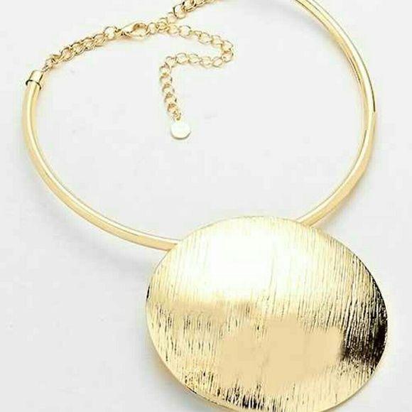 Circle Pendant Chocker Necklace CIRCLE PENDENT CHOKER NECKLACE Jewelry Necklaces