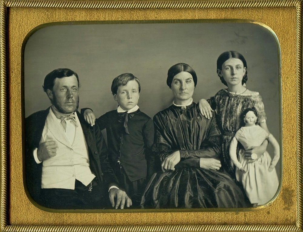Remarkable Sharp Horizontal 1 4 Plate Large Doll Daguerreotype w Family of 4 | eBay