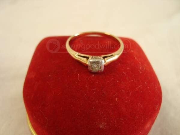Diamonds are a girl's best friend #vintage #gold http://www.shopgoodwill.com/viewitem-sugg.asp?itemid=19790658