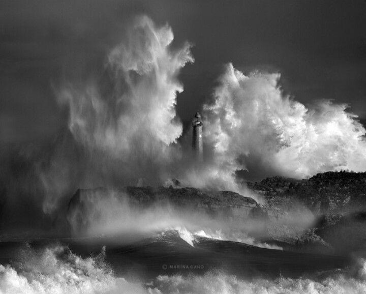 Mare - Tempesta - Faro