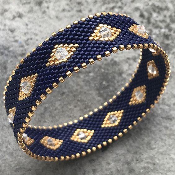 DIY peyote woven bangle bracelet with Miyuki Delicas beads