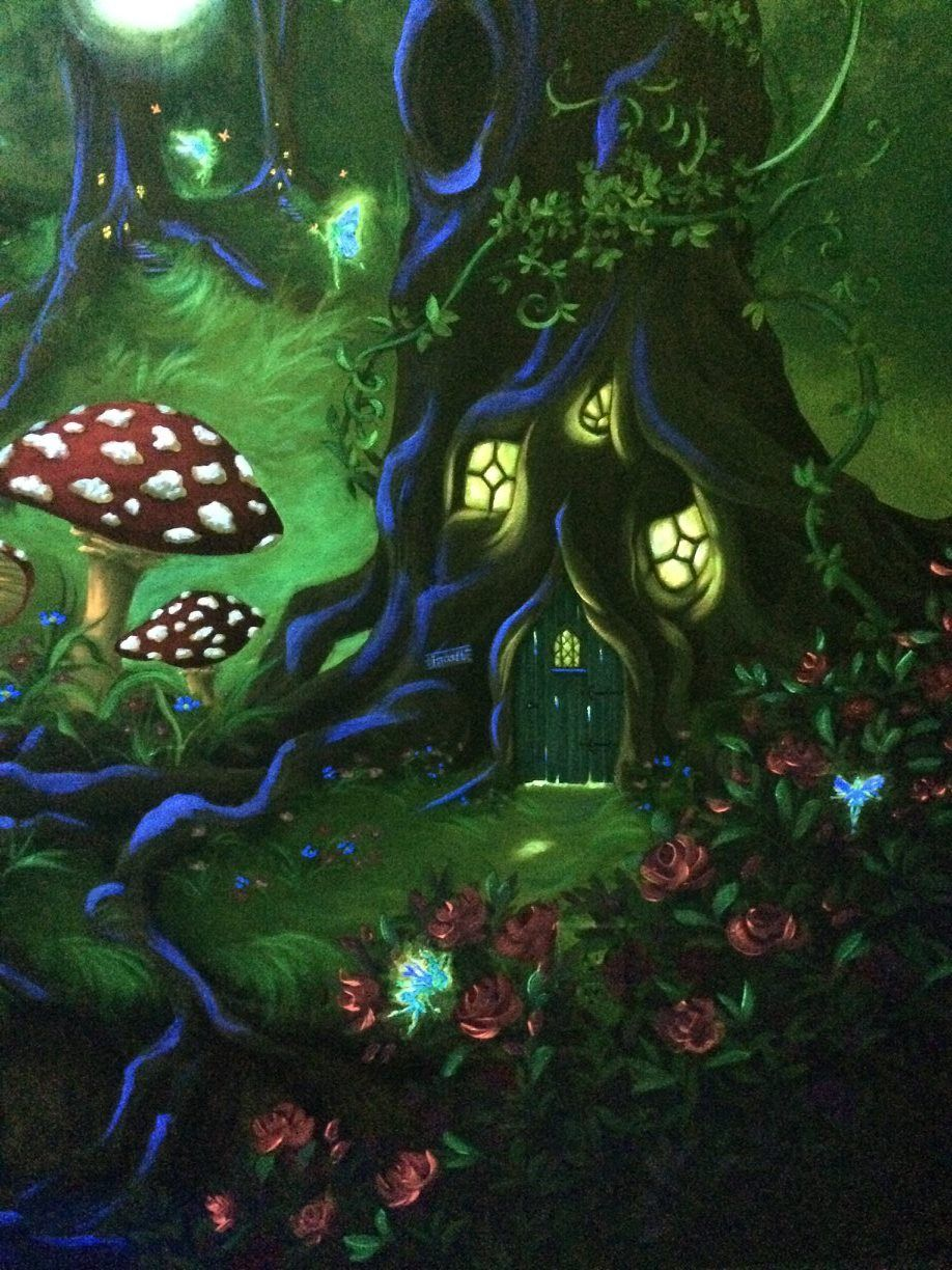 Enchanted forest bedroom mural under the blacklight for Enchanted forest mural
