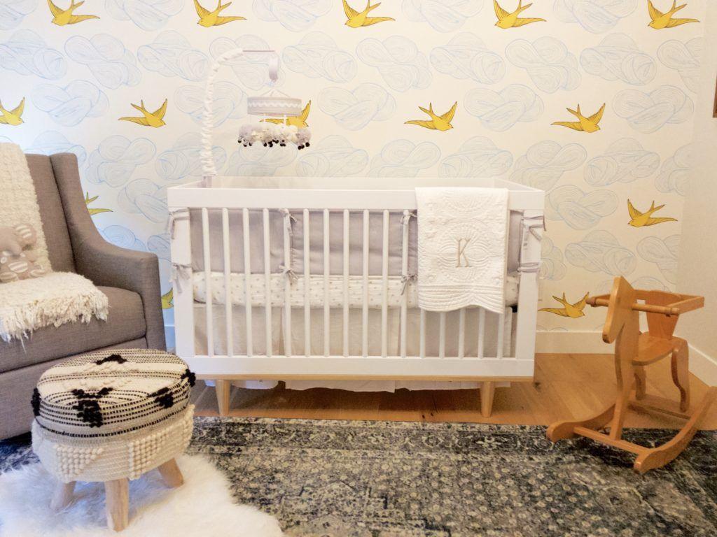 Kinderkamer Van Kenzie : Birds in the sky gender neutral nursery nursery wallpaper