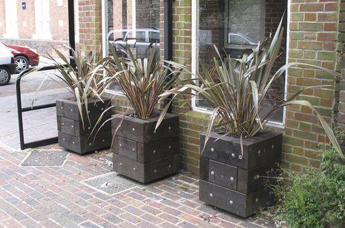 Wood planter for public spaces ROMSEY Street Design ...