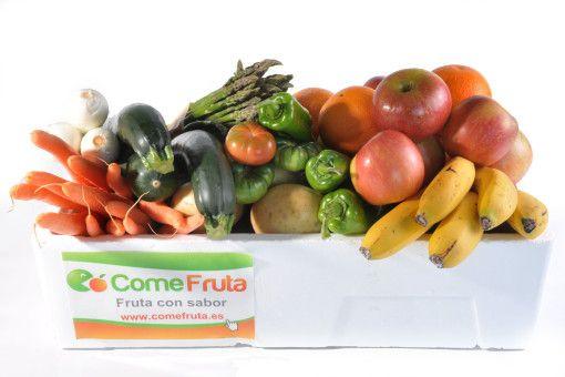 Caja variada de fruta y verdura