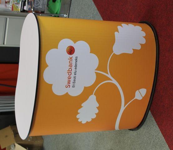 Messupöytä Swedbank http://www.liikelahja-toimisto.fi/fi/messupoyta/20573/Messup%C3%B6yt%C3%A4-STESITA.html