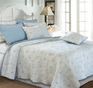 Buy Hibiscus Winter Sky Cotton Quilt King Set, 105 X 95 Inch At Wildorchidquilts.Net