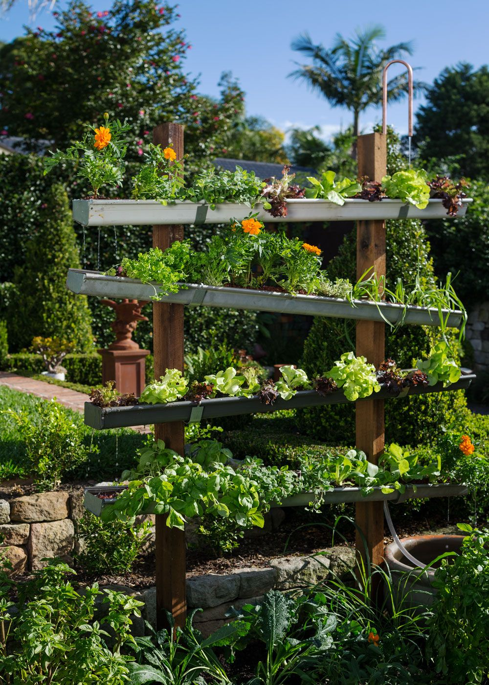 build a cleaner more sustainable vegie patch using simple