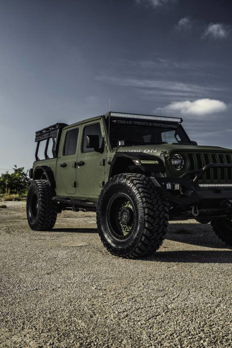 9 Jeep Gladiator Fab Four 40s In Dark Green Wallpapersqq Net In 2020 Jeep Gladiator Jeep Gear Jeep