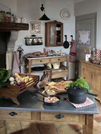 Comptoir De Famille Les Meubles Comptoir De Famille Deco Maison De Campagne Cuisine Bistrot