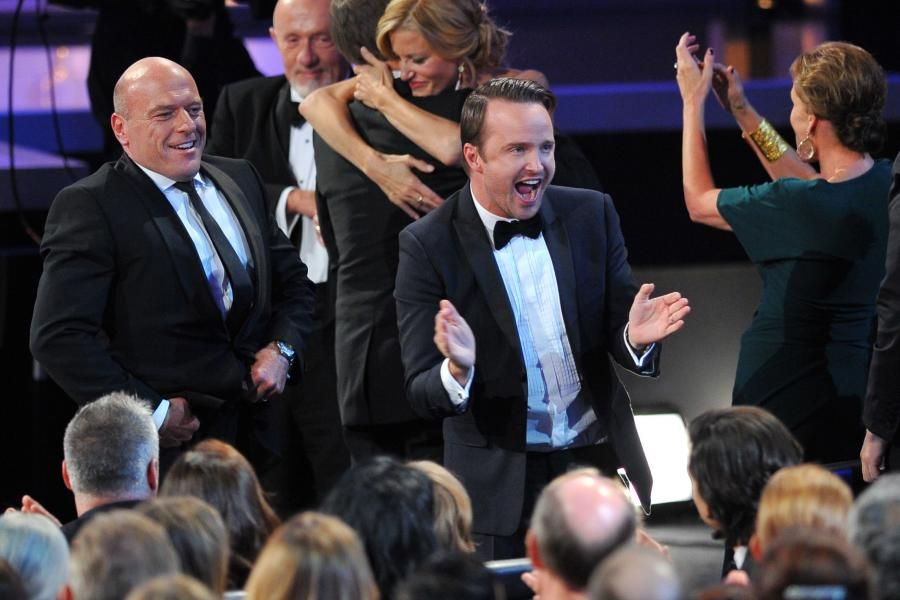 The cast of Breaking Bad celebrates their win for Outstanding Drama Series #Emmy2013
