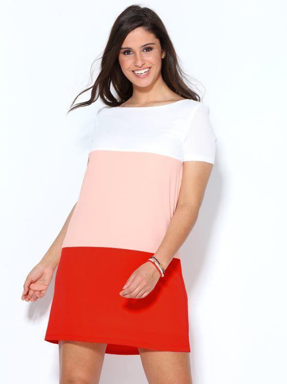 97d97a20f Realza tu estilo más femenino y coqueto con este vestido de elegante tejido  de crepe de