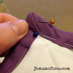 How to Make a Cotbed Quilt for Beginners, Step 9: Binding Your ... : sewing binding on quilt corners - Adamdwight.com