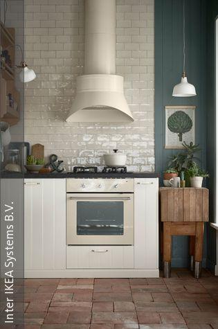 Große Dunstabzugshaube als Blickfang - dunstabzugshaube kleine küche