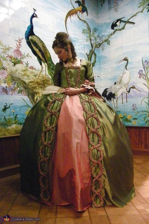 Marie Antoinette Robe à la Française - Halloween Costume Contest via @costume_works