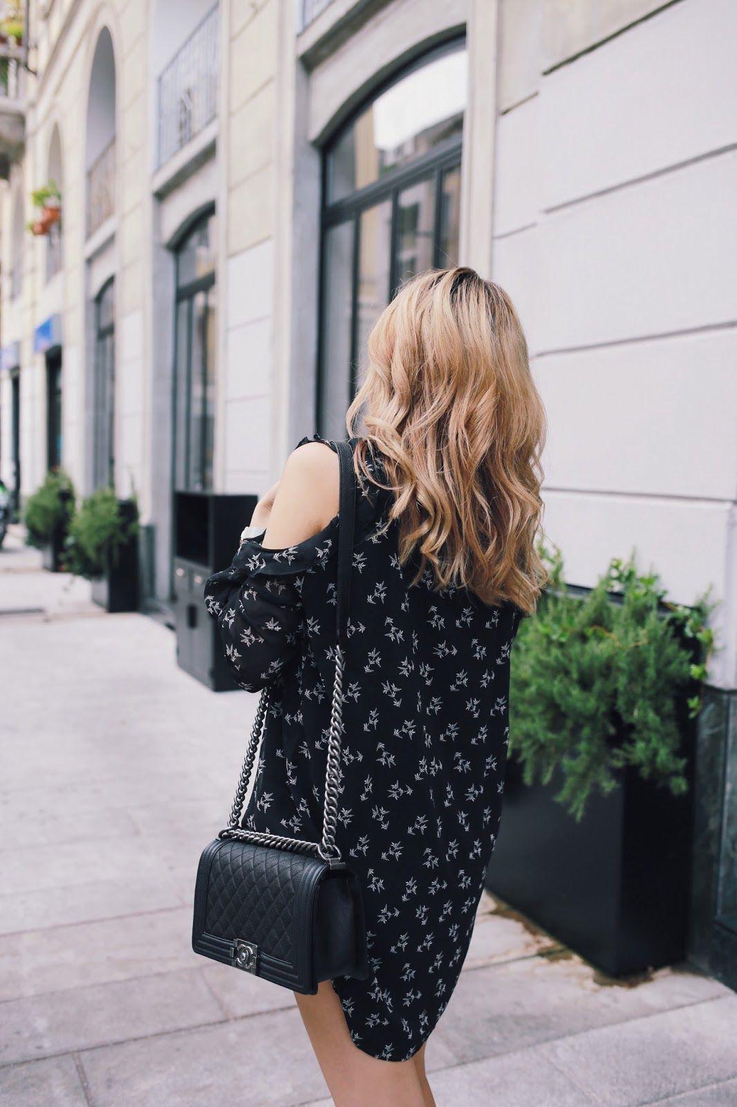 341a7f2afe05 Mango Cold Shoulder Dress Chanel Boy Bag Outfit Blogger Germany