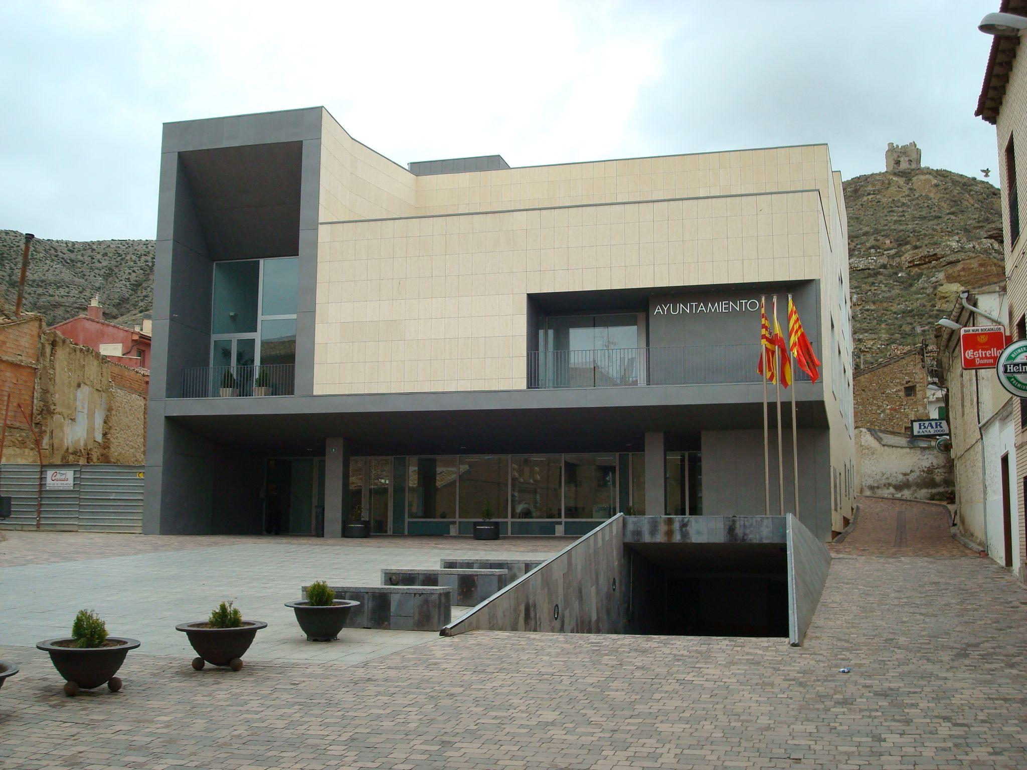 Ayuntamiento de Cadrete, Zaragoza. Proyecto de equipación de interiores, Ofita, Arastor