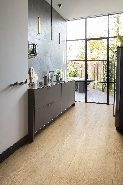 How to choose the perfect kitchen flooring Kleine keuken