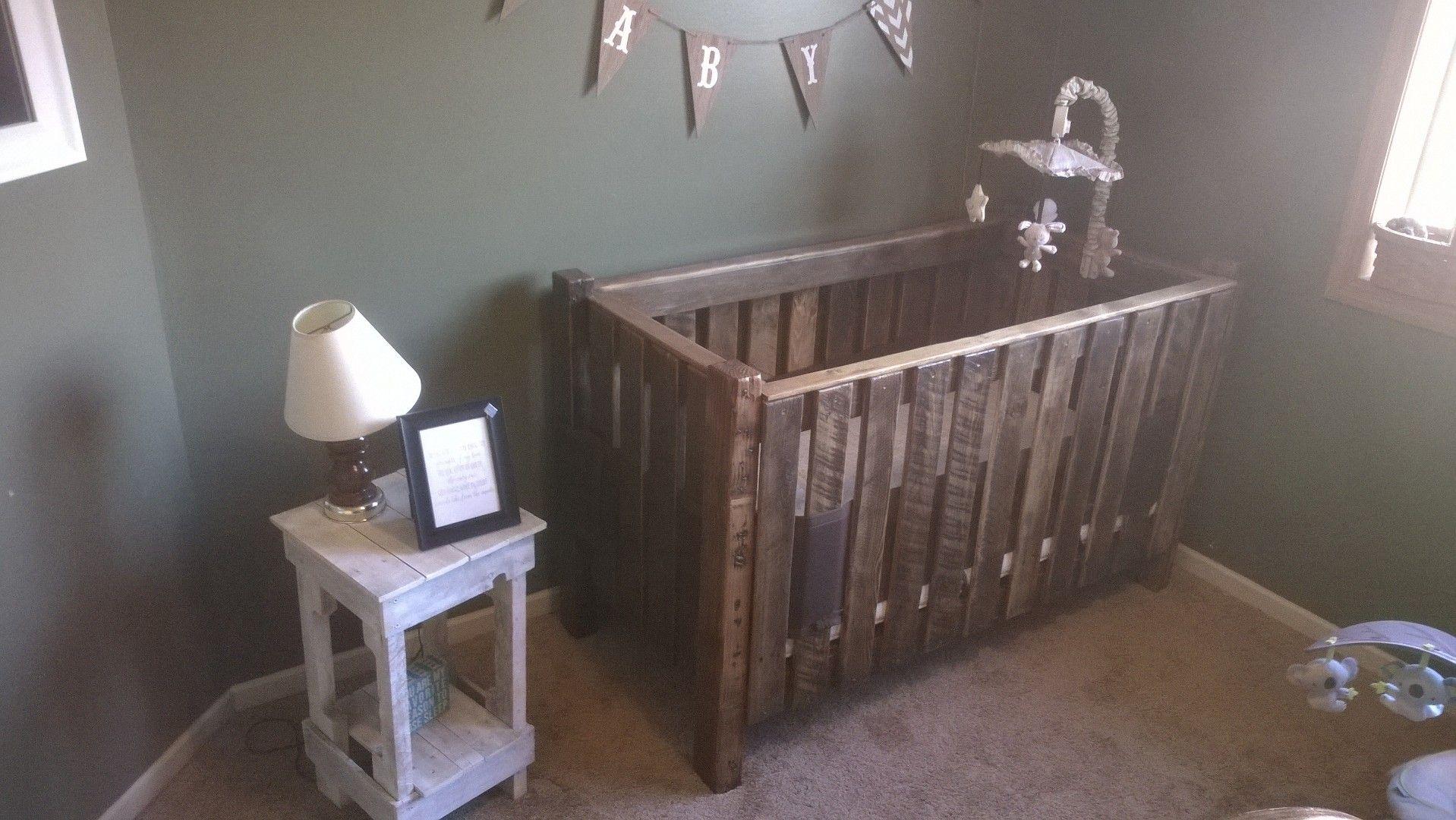 DIY pallet crib | Diy crib, Pallet diy, Baby room decor