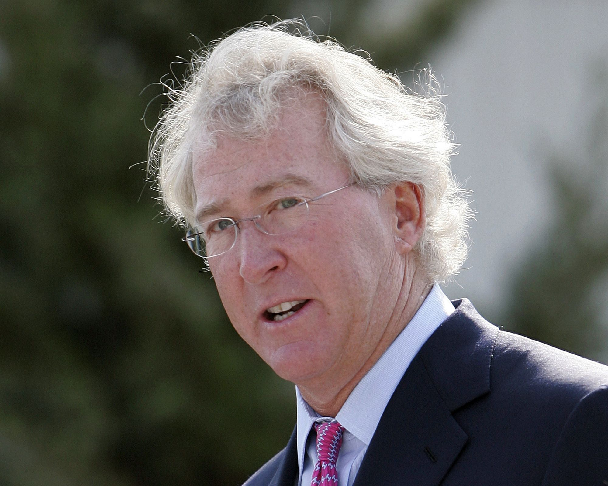OKLAHOMA CITY (AP) — Energy tycoon Aubrey McClendon earned a reputation as a pioneer, backing new drilling technology, building Chesapeake Energy into one of the nation's largest independent producers of natural gas and accumulating a fortune that helped him buy part of an NBA team.  Balderrama said McClendon was speeding and not wearing a seat belt in his 2013 Chevrolet Tahoe, but it's too early to tell if the collision was intentional.  McClendon, who co-founded Chesapeake Energy and…