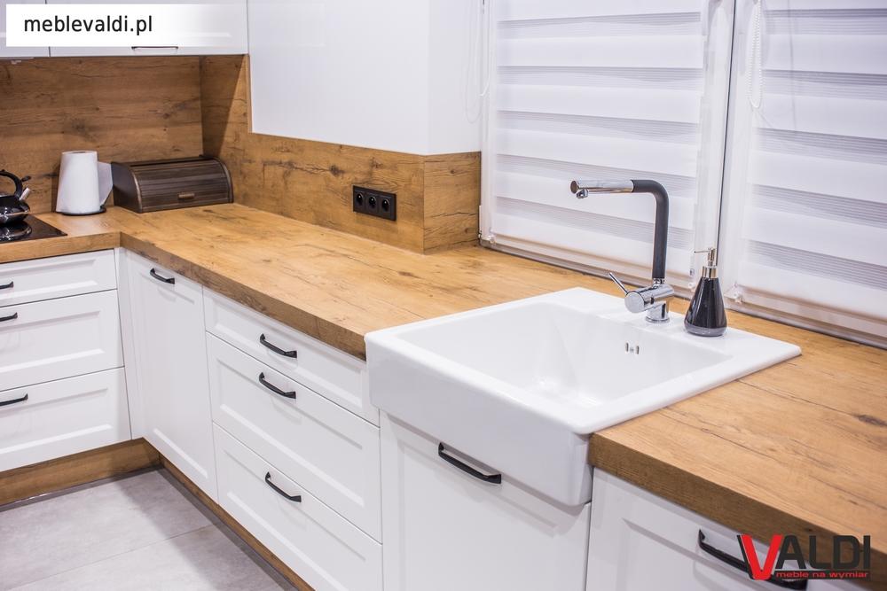 Kuchnia Z Blatem Don Lancelot Valdi Meble Na Wymiar Kitchen Cabinets Kitchen Home Decor