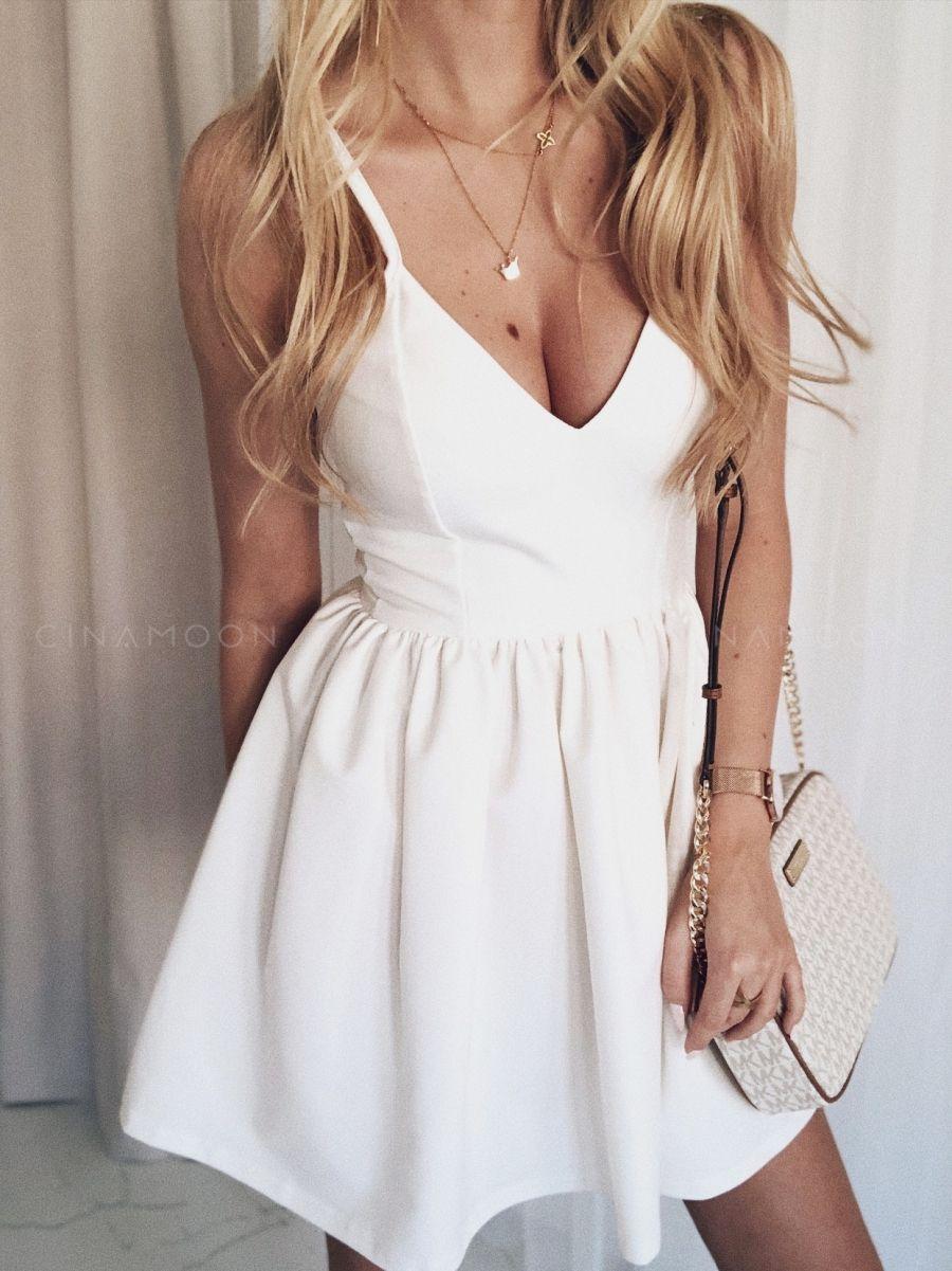 40e47ea195ac52 MODEL 60W - Rozkloszowana sukienka na ramiączkach - CINAMOON -  Najmodniejsze ubrania w sieci