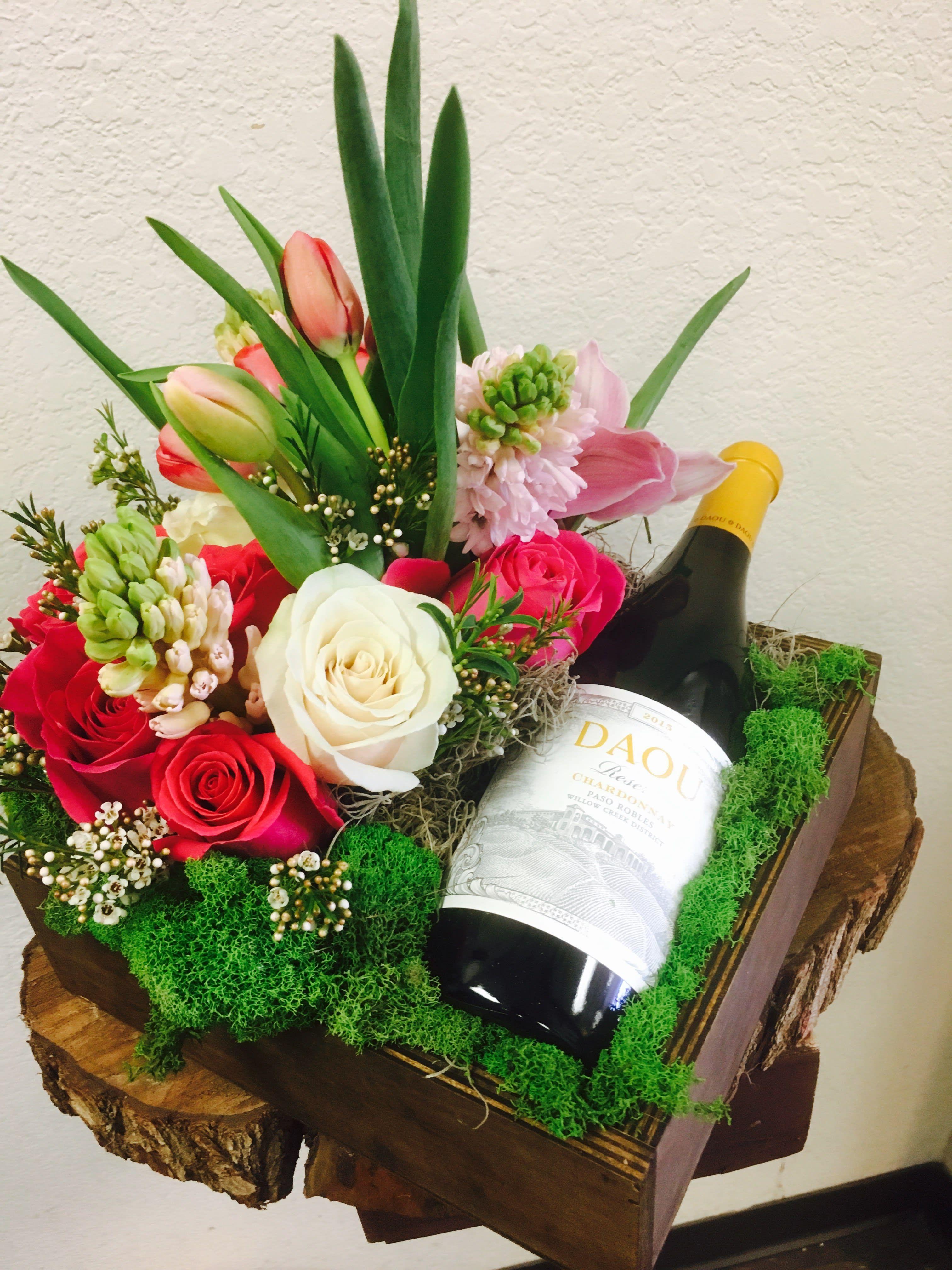 Flowers And Wine In El Sedo Ca in 2020 Easter floral