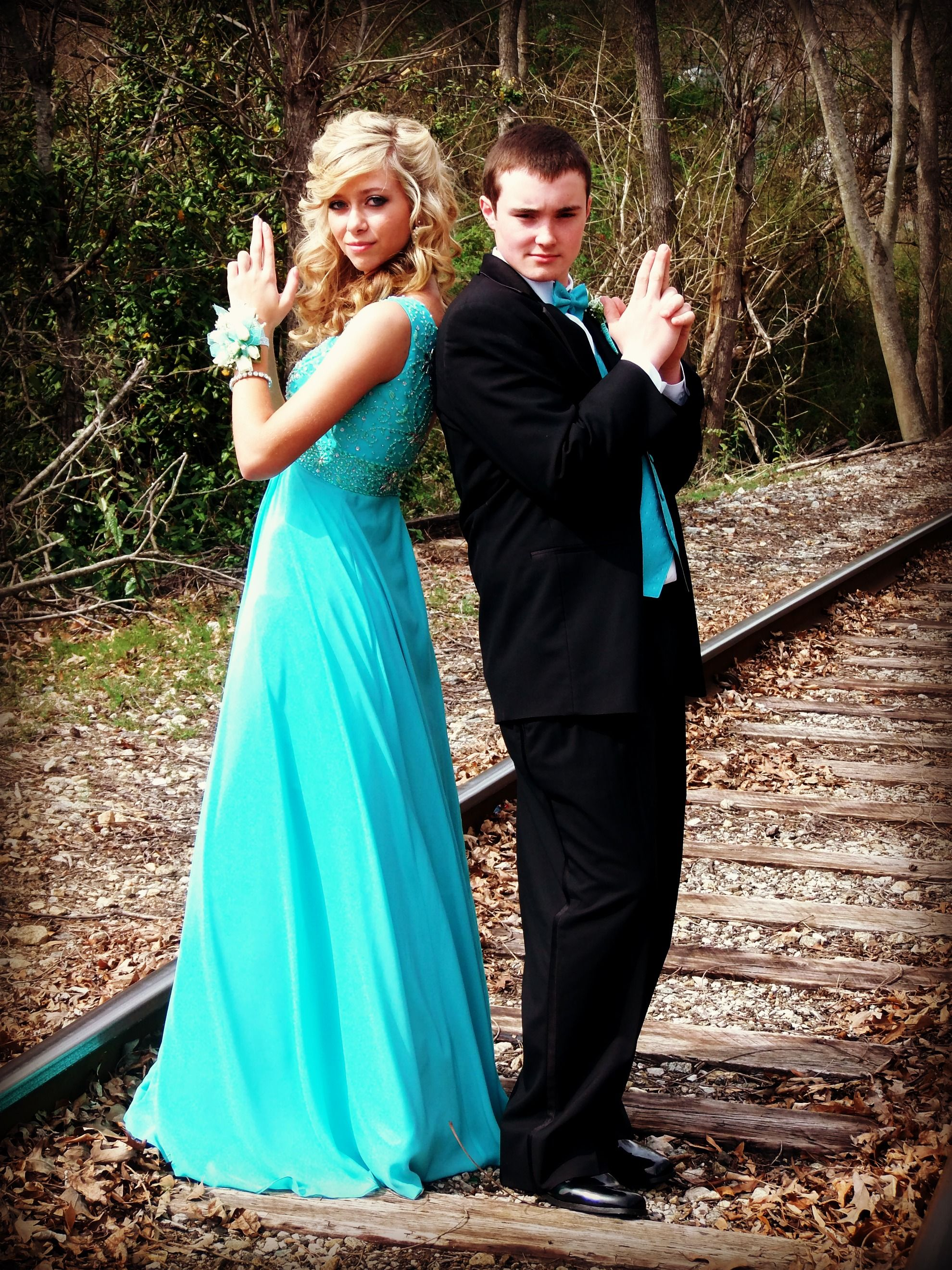 Cute Prom Poses