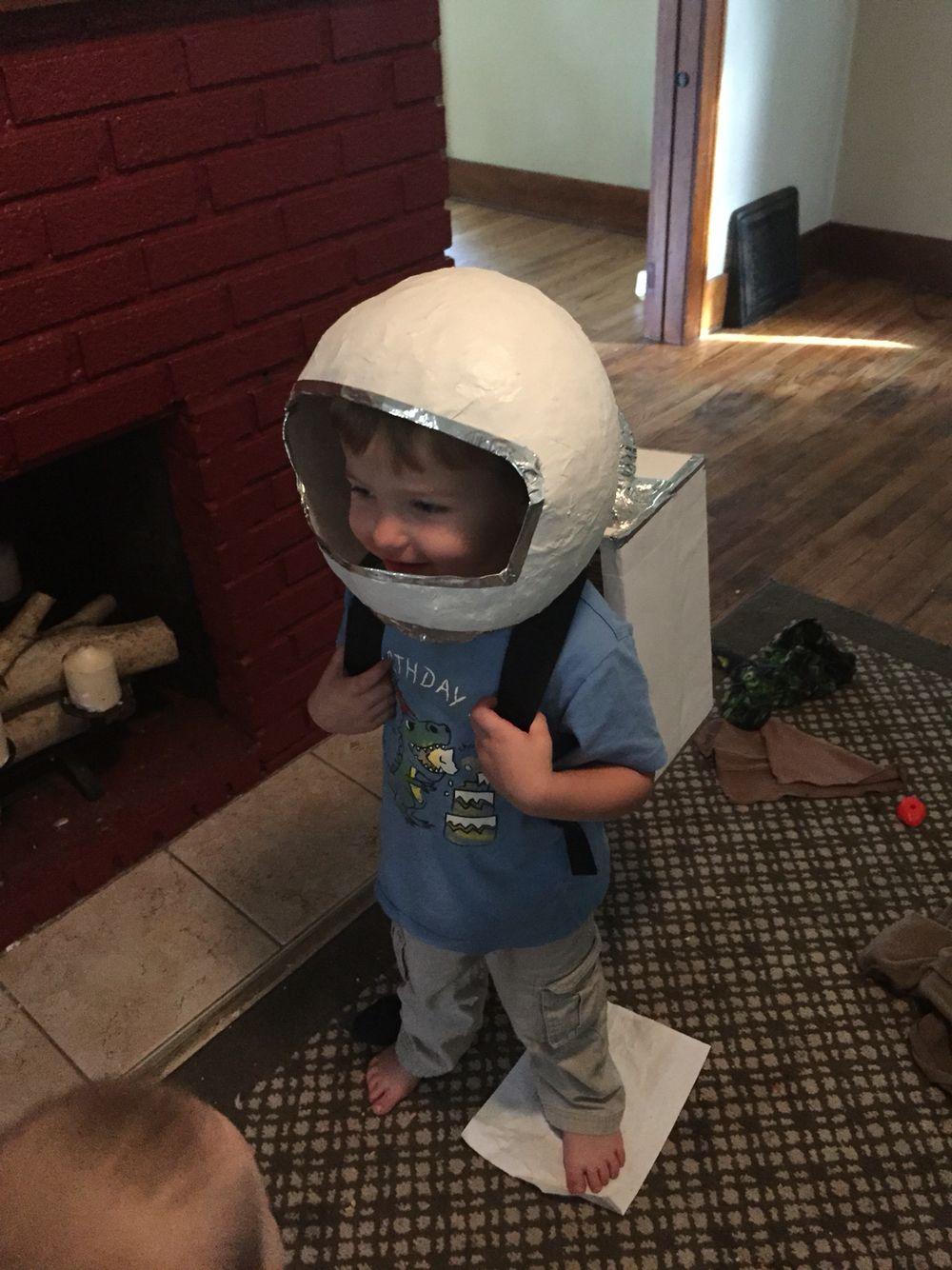 DIY astronauts helmet and oxygen pack   Costumes ...