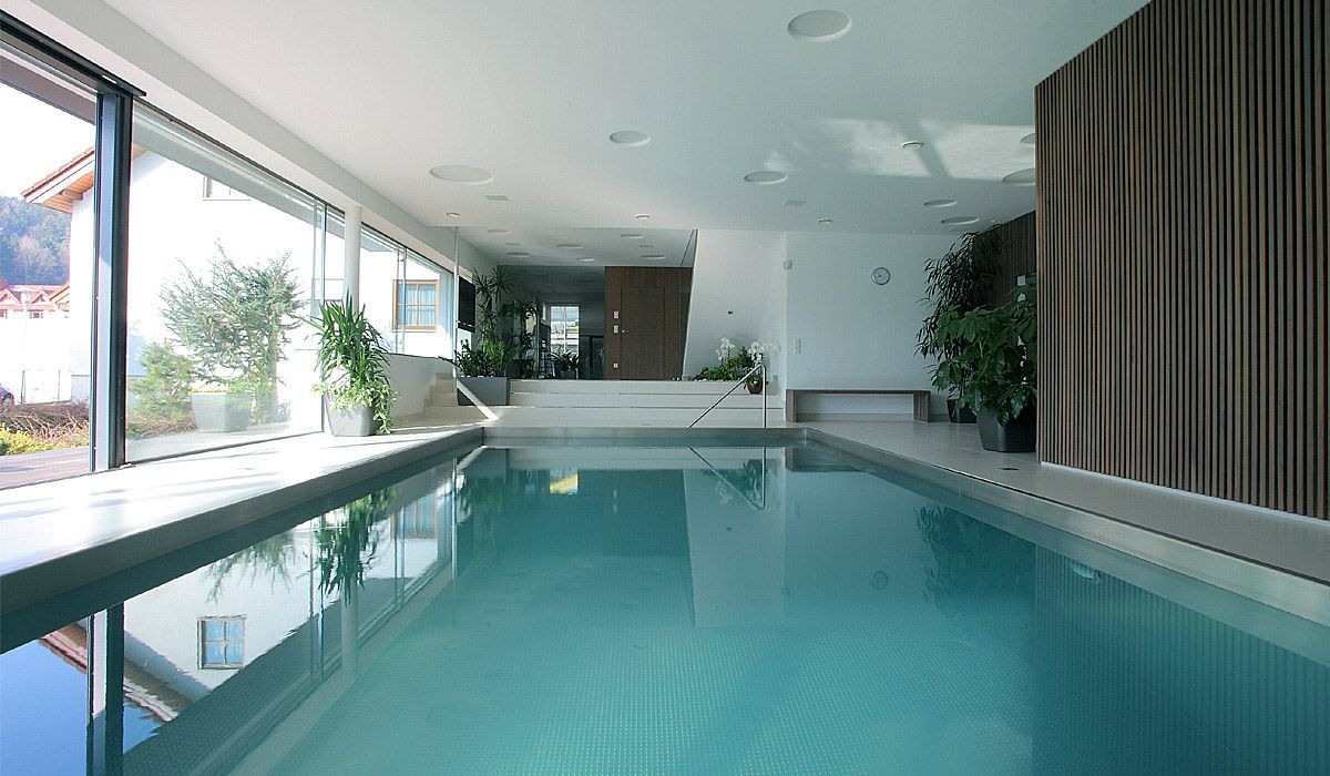 Charmant Exquisite House Indoor Pool Design Idea With Rectangular Shape And Huge  Glass Wall And Wood Wall