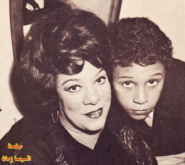 فكرى أباظة ولد 19 يوليو 1950 عمل فى السينما وفي تقديم بعض البرامج التلفزيونيه هو أخ للفنان رشدى أباظه تزوج من Egyptian Actress Fictional Characters Actresses