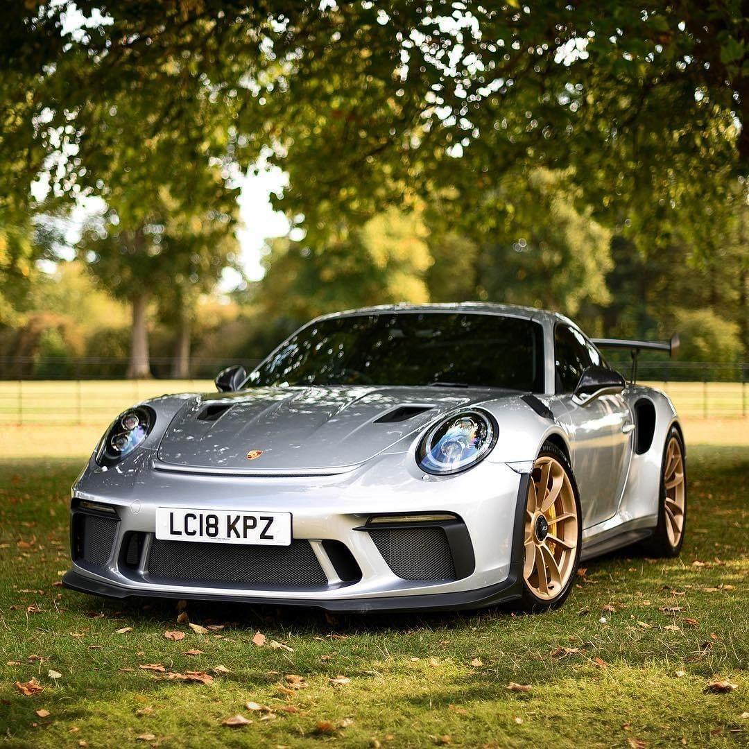 No Need To Hide When You Re Destined To Stand Out Porschemoment Porsche Timelessmachine Porsche911 991 Gt Voitures De Luxe Porsche 911 Targa Porsche 911