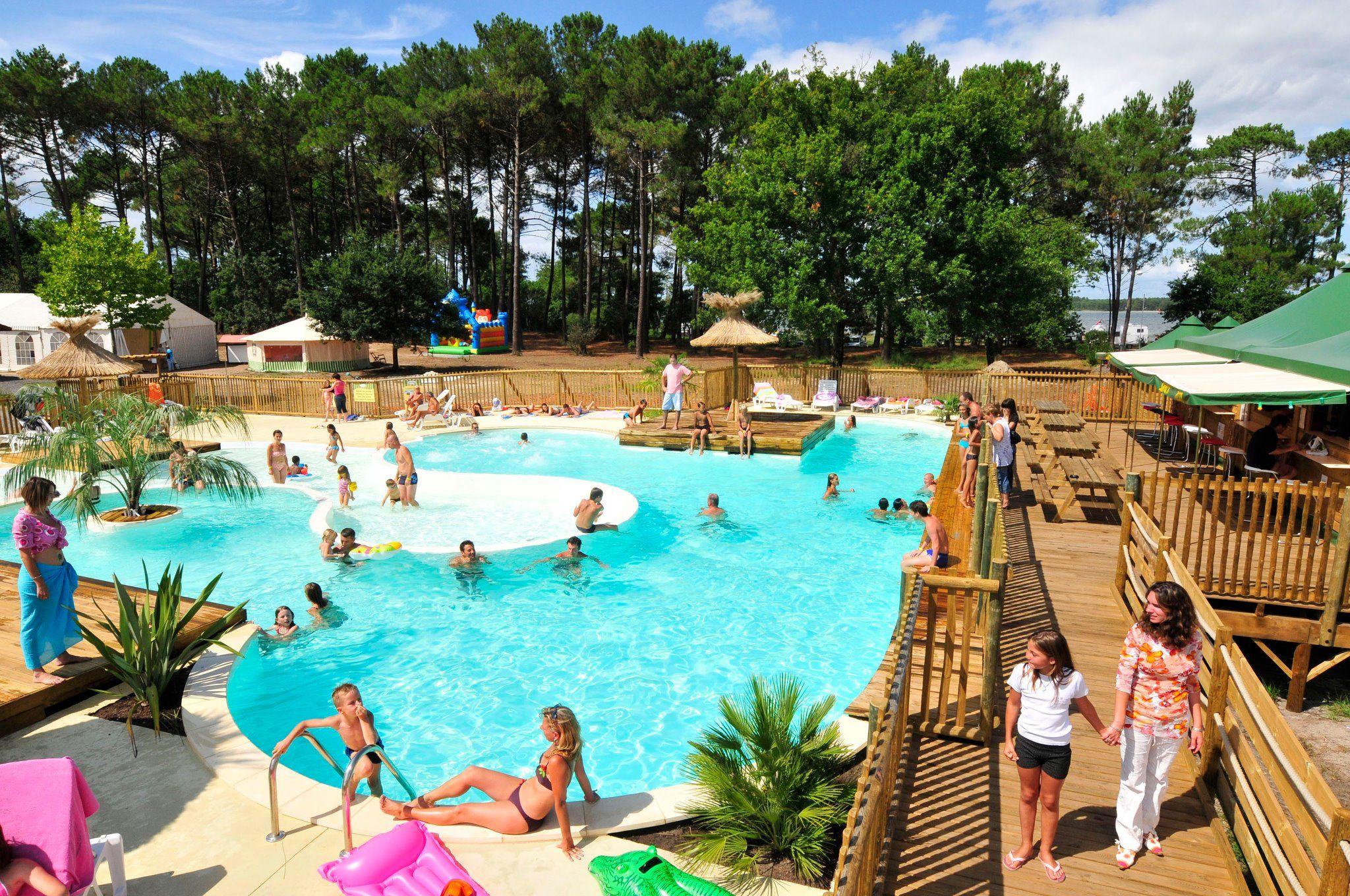 Le lac de sanguinet camping familial avec piscine dans - Camping lac aiguebelette avec piscine ...